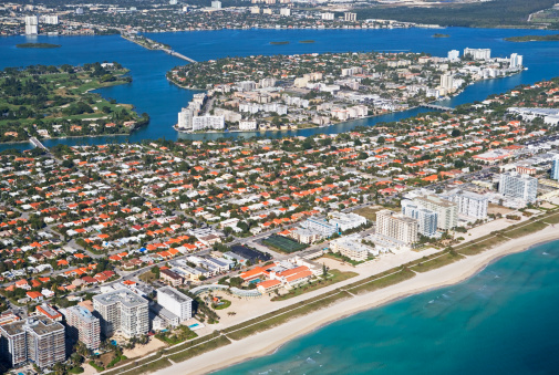 Miami Beach「Aerial view of waterfront city」:スマホ壁紙(19)