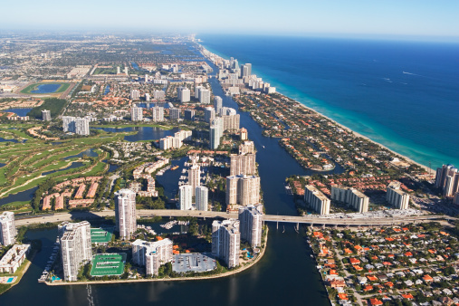 Miami Beach「Aerial view of waterfront city」:スマホ壁紙(18)
