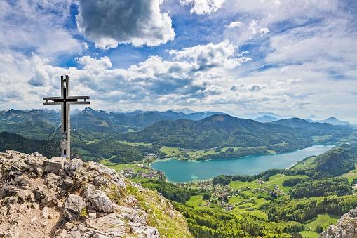 Salzkammergut「Aerial view of Fuschlsee, seen from Mount Schober -  lake Fuschel in Austria」:スマホ壁紙(7)