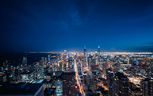 Cryptocurrency「Aerial View of Chicago cityscape skyline at Night」:スマホ壁紙(10)