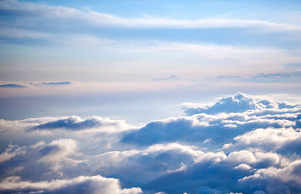 Aerial view of a cloudscape on a clear day:スマホ壁紙(壁紙.com)