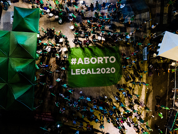 Argentina「Lower House Votes Bill to Legalize Abortion in Argentina」:写真・画像(8)[壁紙.com]