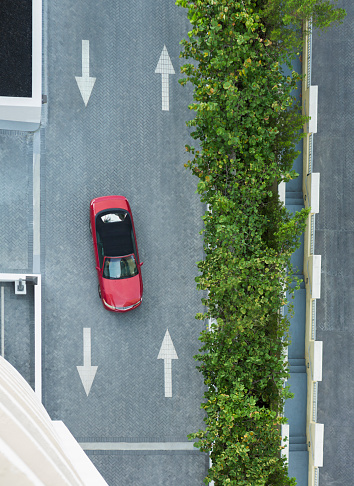 Miami「Aerial view of car driving on street with arrows」:スマホ壁紙(7)