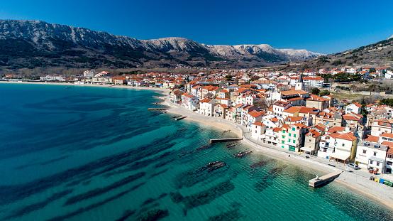 Approaching「Aerial View of Coastline Town of Baska, Krk Island , Croatia」:スマホ壁紙(3)