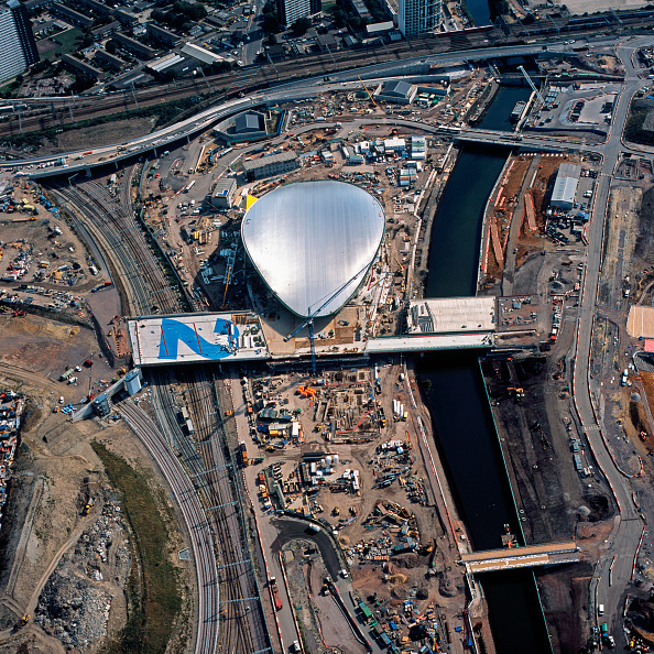Canal「Aerial view of the Aquatics Centre during construction, London, UK.」:写真・画像(3)[壁紙.com]
