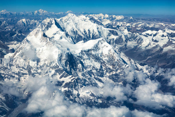 Aerial View of Mount Everest, Himalaya, Nepal:スマホ壁紙(壁紙.com)