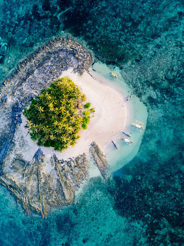 Philippines「Aerial view of tropical island with surrounding reef」:スマホ壁紙(12)