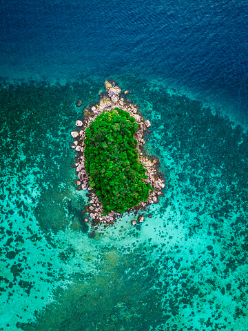 Island「Aerial view of tropical island, Koh Lipe, Thailand」:スマホ壁紙(13)