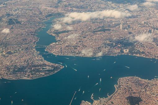 Mid-Air「Aerial view of Istanbul」:スマホ壁紙(2)