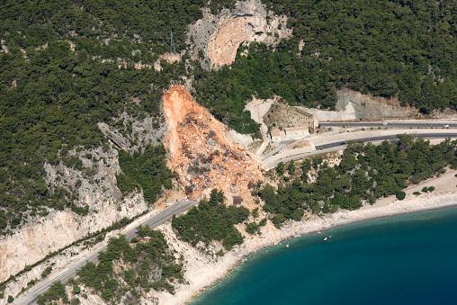 Landslide「Aerial View of Landslides on road near the seaside」:スマホ壁紙(2)