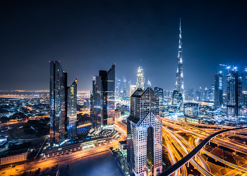 Elevated Road「Aerial View of Dubai Skyline at Night」:スマホ壁紙(19)