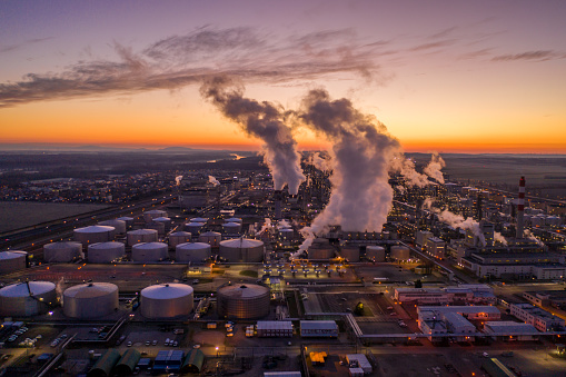 Oil Industry「Aerial view of oil refinery at sunset.」:スマホ壁紙(0)