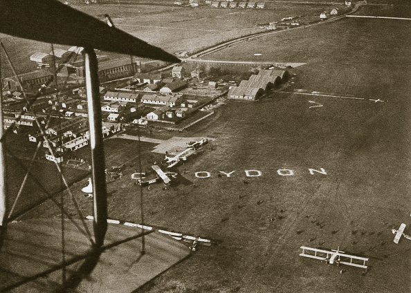 Heathrow Airport「Aerial View Of London Airport 1925」:写真・画像(4)[壁紙.com]