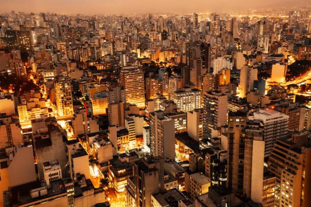 Aerial view of Sao Paulo, Brazil at night:スマホ壁紙(壁紙.com)