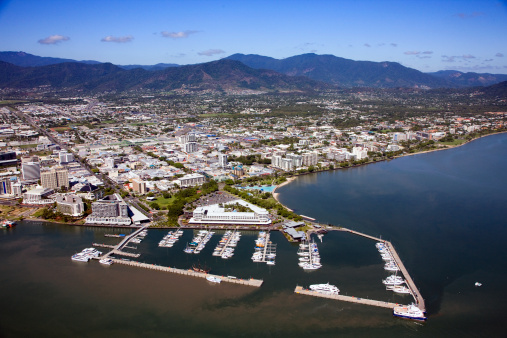 Queensland「Aerial view of Cairns, Queensland, Australia」:スマホ壁紙(14)