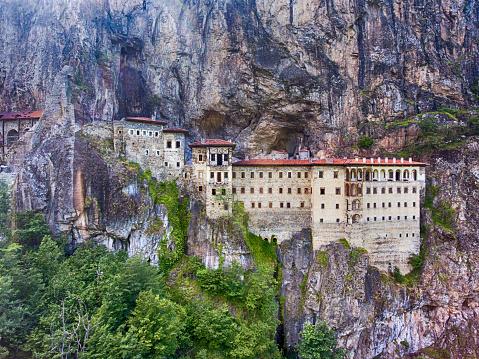 Tradition「Aerial view of Sumela Monastery in Trabzon, Turkey.」:スマホ壁紙(9)