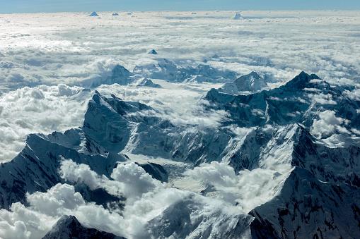 月「パキスタンのカラコルム山脈、アジアの空撮」:スマホ壁紙(19)