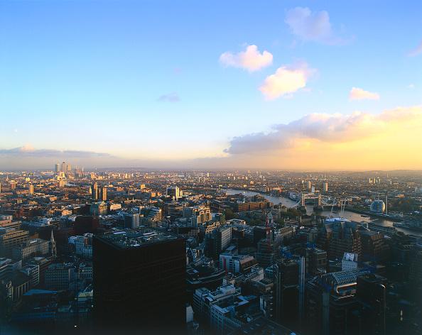 Dawn「Aerial view of London  United Kingdom.」:写真・画像(12)[壁紙.com]