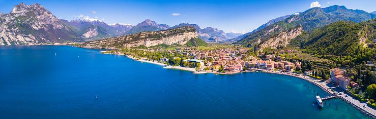 European Alps「Aerial View of Torbole, Lake of Garda, Italy」:スマホ壁紙(18)