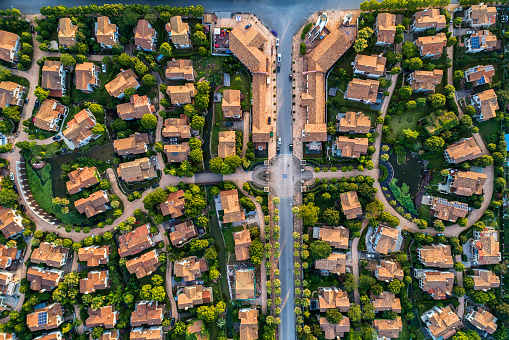 Chalet「Aerial view of detached duplex house」:スマホ壁紙(18)