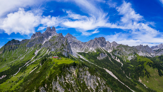 Dachstein Mountains「Aerial view in the Dachstein mountains with a view of the large bishop's hat」:スマホ壁紙(19)