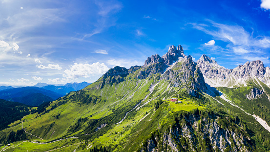 Dachstein Mountains「Aerial view in the Dachstein mountains with a view of the large bishop's hat」:スマホ壁紙(15)