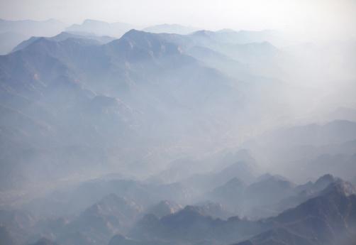 Fog「Aerial view of misty foggy mountain tops」:スマホ壁紙(19)