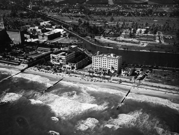 Miami Beach「Aerial View Of Miami Beach Hotels」:写真・画像(1)[壁紙.com]