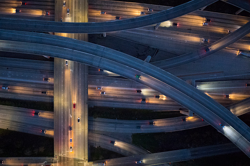 Elevated Road「Aerial view of Los Angeles arterial roads at twilight time」:スマホ壁紙(17)