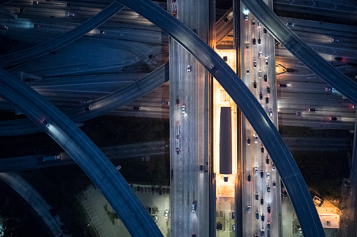 Elevated Road「Aerial view of Los Angeles arterial roads at twilight time」:スマホ壁紙(8)