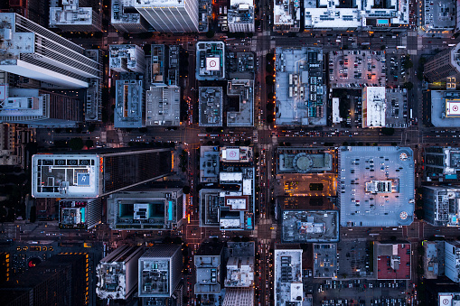 Traffic「Aerial view of Los Angeles city buildings at twilight time」:スマホ壁紙(15)