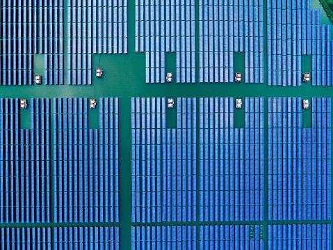 Solar Energy「Aerial view of solar cell field.」:スマホ壁紙(13)