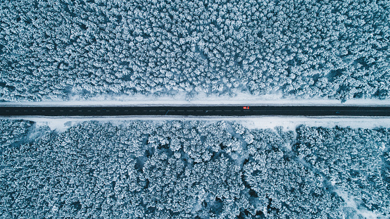 Switzerland「Aerial view of road in winter」:スマホ壁紙(10)