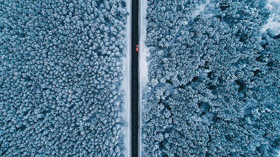 Austria「Aerial view of road in winter」:スマホ壁紙(1)