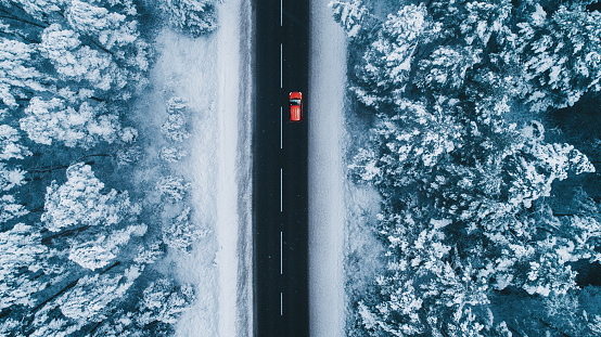 Drone Point of View「Aerial view of road in winter with red car on it」:スマホ壁紙(9)