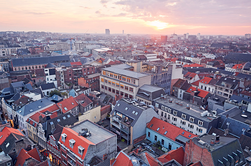 Belgium「Aerial view of the rooftops of Ghent at sunset」:スマホ壁紙(8)