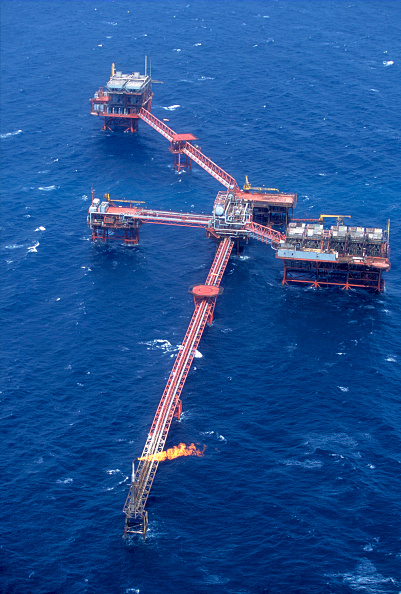 Giles「Aerial view of Oil production complex, Gulf of Suez, Egypt」:写真・画像(5)[壁紙.com]