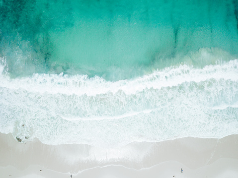 Big Sur「Aerial View of Waves Crashing on Sandy Beach」:スマホ壁紙(0)