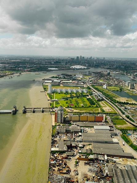 Horizon「Aerial view of the Thames Gateway, near the Thames Barrier, UK」:写真・画像(0)[壁紙.com]