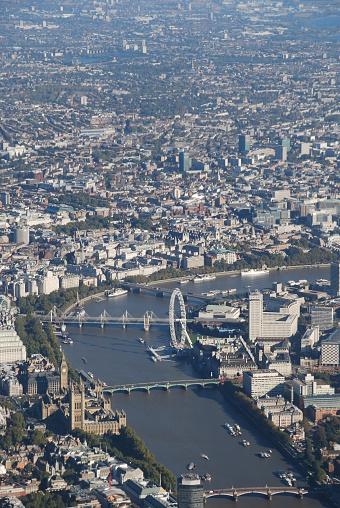 サウスバンクセンター「空から見た、テムズ川沿いにロンドンの街並み」:スマホ壁紙(5)