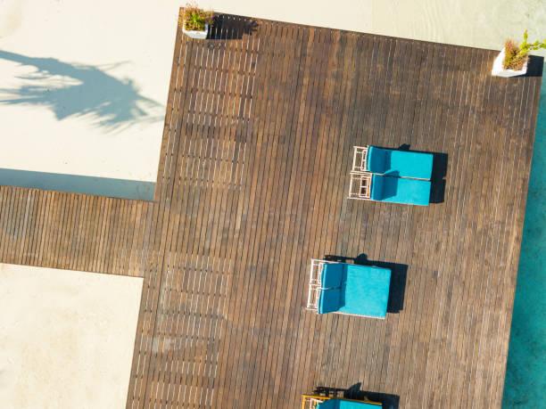 Aerial view of pier, Canareef Resort Maldives, Herathera island, Addu atoll:スマホ壁紙(壁紙.com)