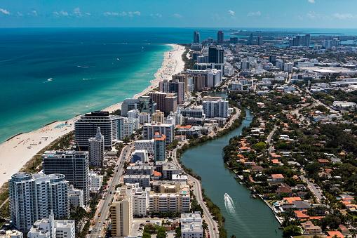 Miami「Aerial view of South Beach Miami Florida cityscape」:スマホ壁紙(14)