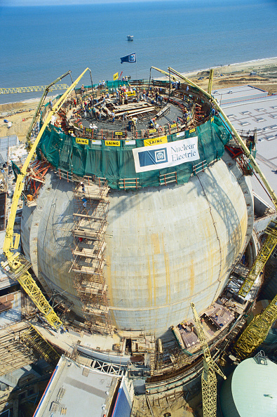 Zero「Aerial view from crane of concrete pressurised water reactor  Sizewell B  Suffolk during construction」:写真・画像(2)[壁紙.com]
