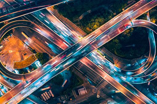 発展「夜間の高架橋の航空写真」:スマホ壁紙(19)