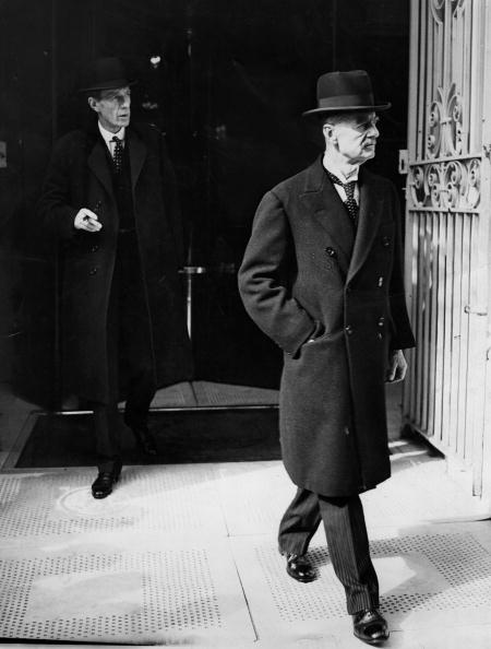 歩く「Neville Chamberlain」:写真・画像(14)[壁紙.com]
