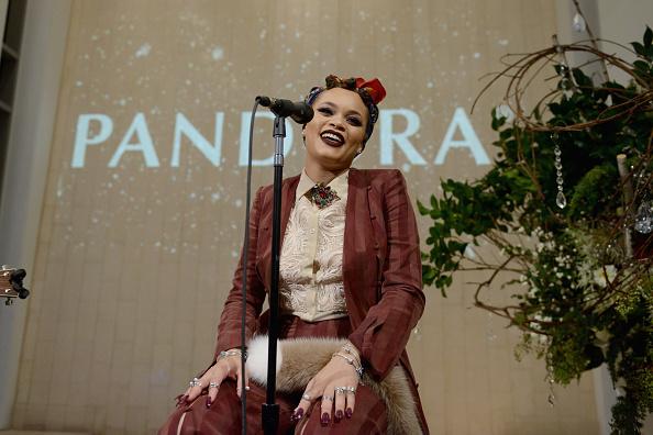ジュエリー パンドラ「PANDORA Jewelry VIP Holiday Event」:写真・画像(17)[壁紙.com]