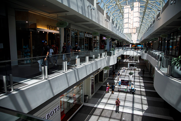 Shopping Mall「Tennessee Begins Allowing Some Businesses To Reopen After Coronavirus Lockdown」:写真・画像(4)[壁紙.com]