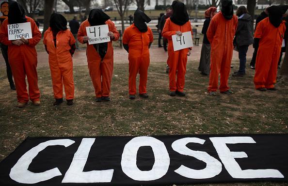 トップランキング「Protestors Rally At White House To Close GITMO Detention Facility」:写真・画像(3)[壁紙.com]