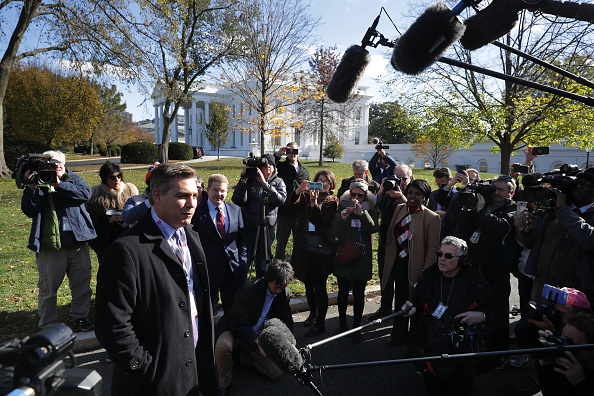 Kelly public「CNN's Jim Acosta Returns To The White House After Court Orders White House To Reinstate His Press Pass」:写真・画像(13)[壁紙.com]