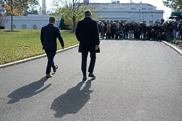 Kelly public「CNN's Jim Acosta Returns To The White House After Court Orders White House To Reinstate His Press Pass」:写真・画像(8)[壁紙.com]